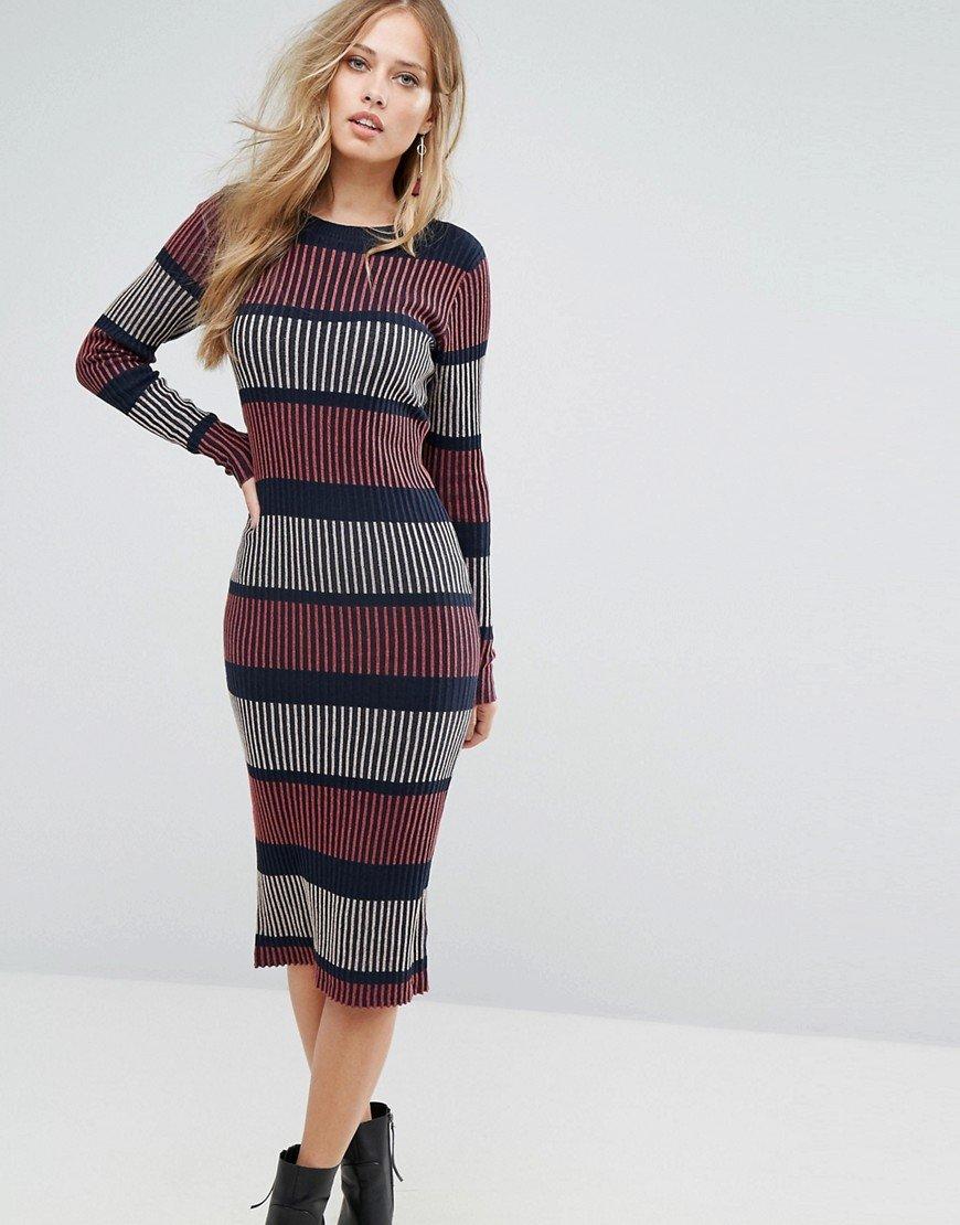 вязаное платье миди фото