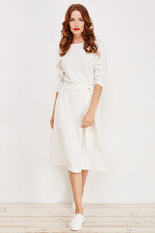 повседневное платье белое