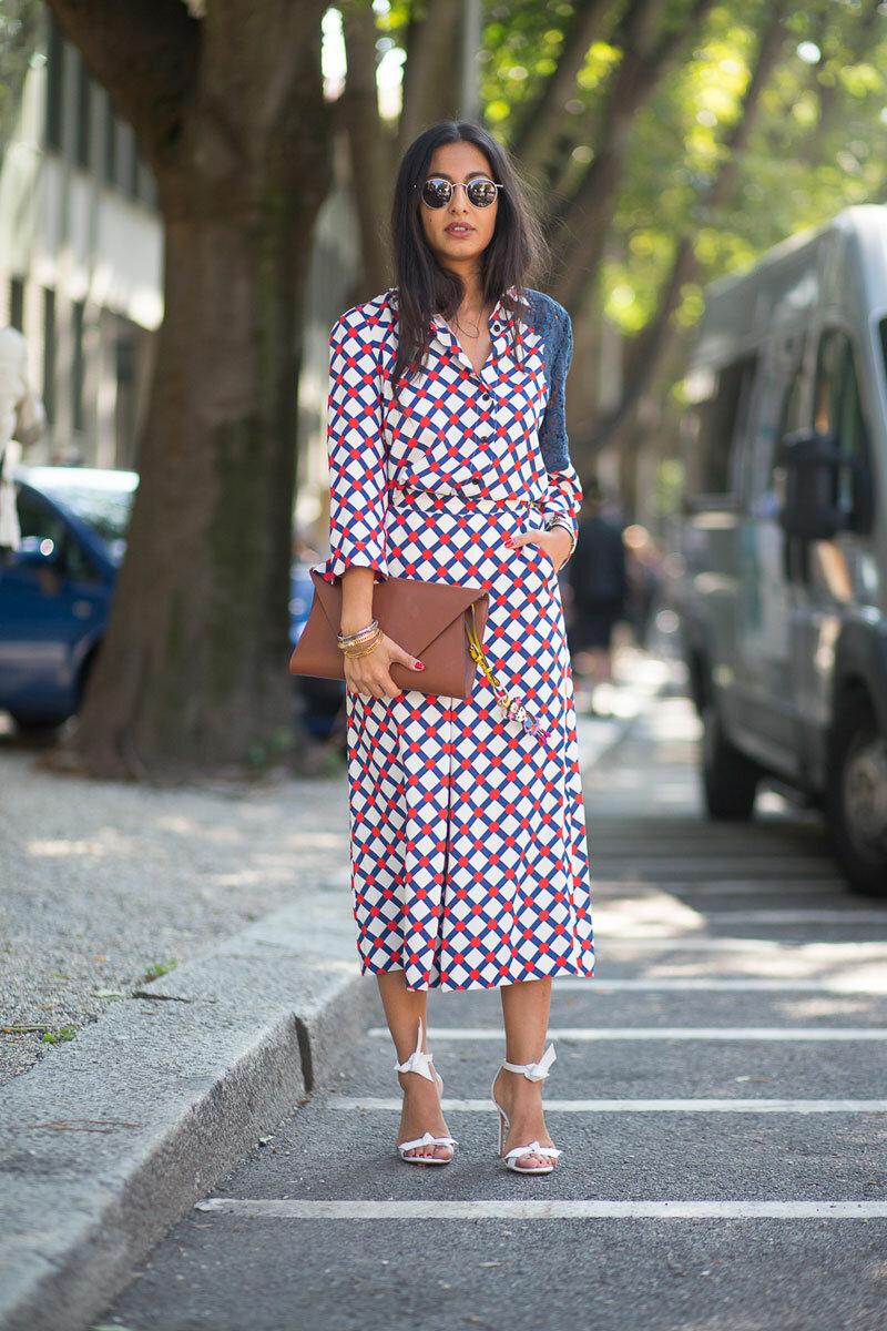 повседневное платье и босоножки