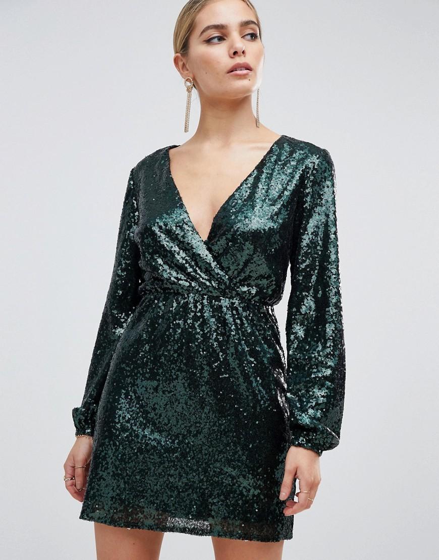 платье с пайетками с запахом