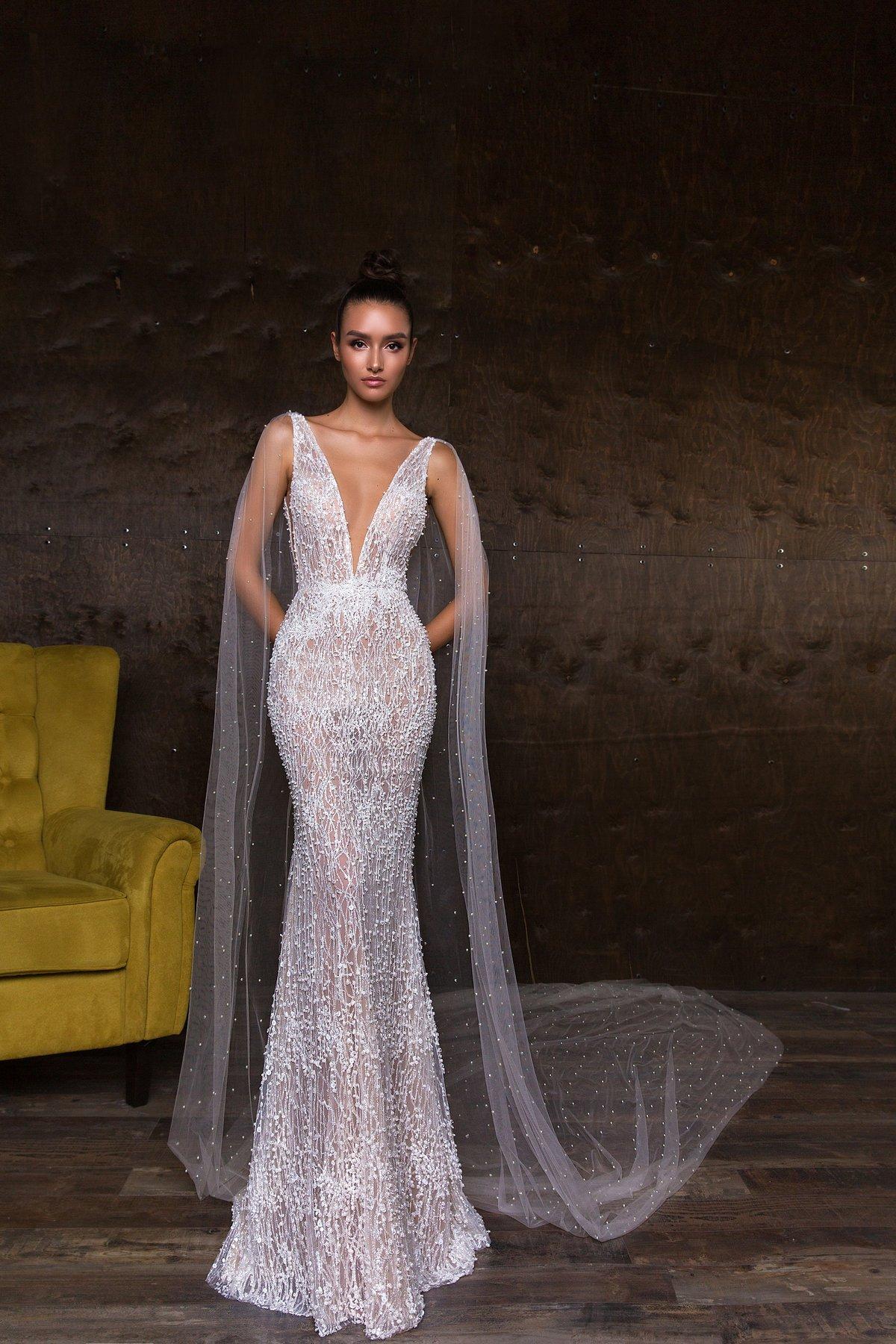 платье с пайетками свадебное со шлейфом