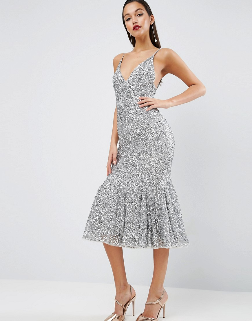 платье с пайетками миди