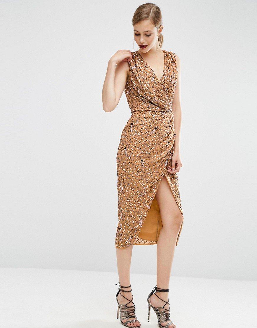 платье с пайетками бежевое