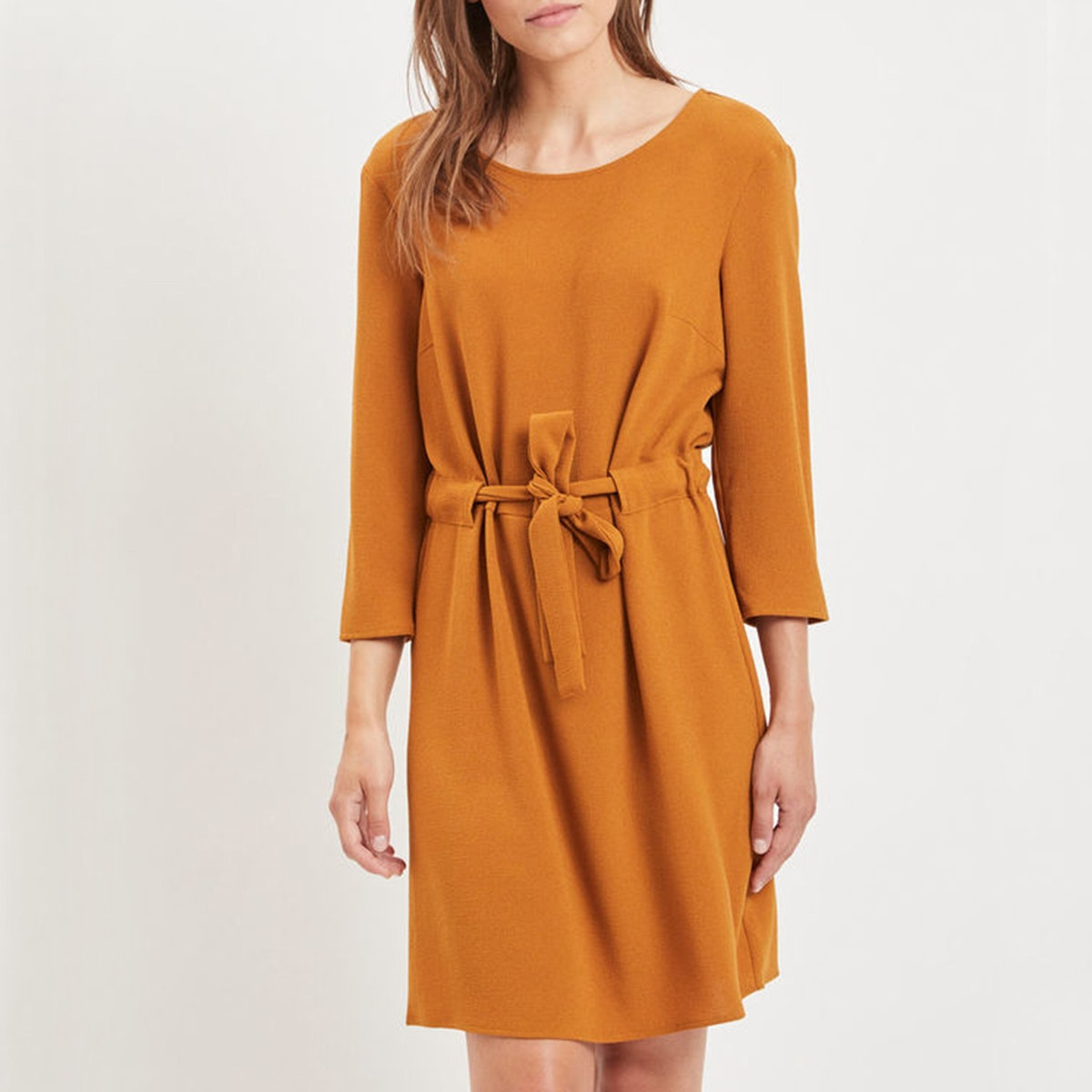 платье с круглым вырезом