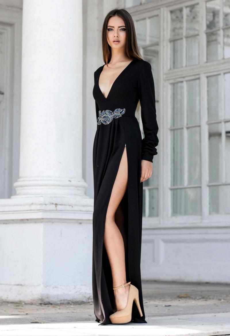 платье с вырезом вечернее длинное