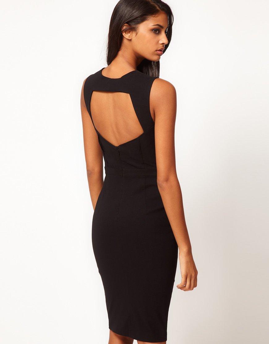 Прямое платье-футляр с открытой спиной