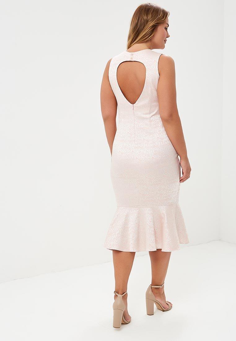 платье с открытой спиной на полных