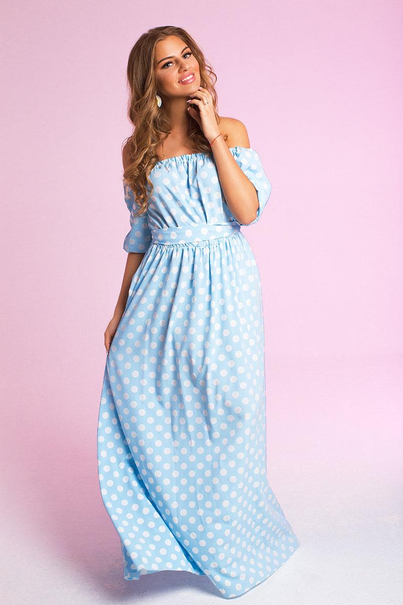 Голубое платье в белый горошек фото