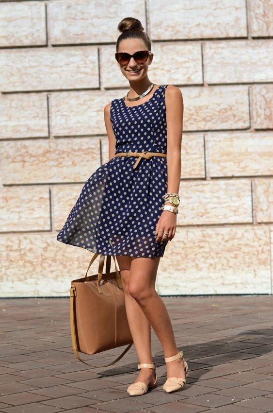 платье в горошек и туфли фото