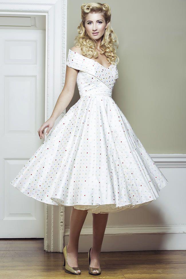 пышное платье в стиле ретро фото