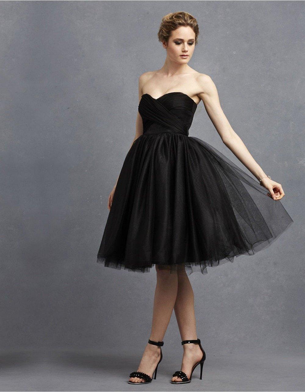 пышное платье с открытыми плечами фото