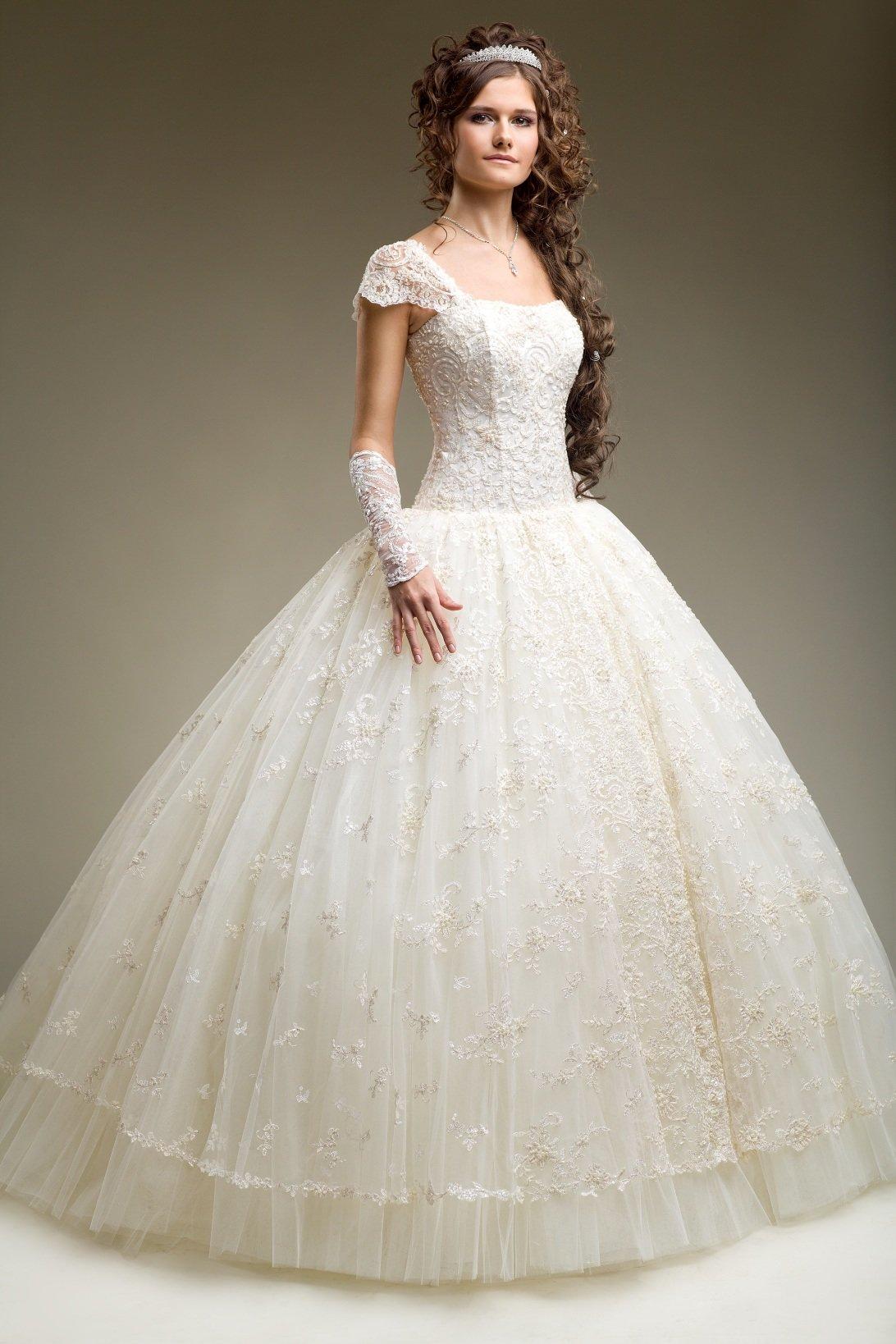 пышное платье свадебное с кружевом фото