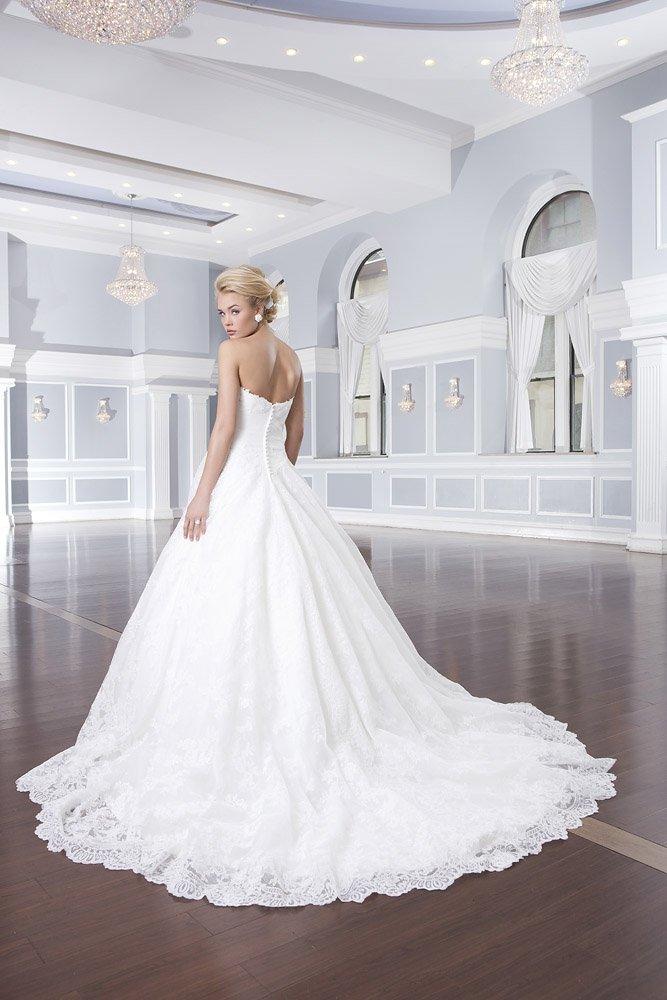 пышное платье свадебное со шлейфом фото
