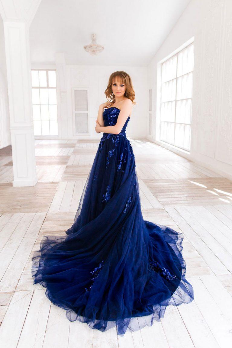 пышное платье синее фото