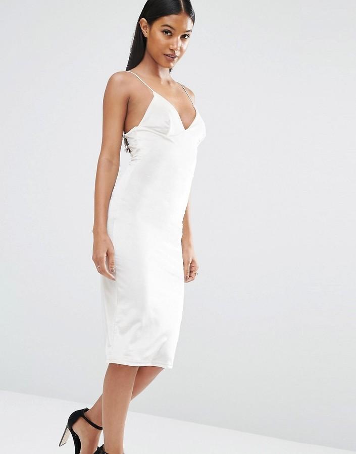 бархатное платье белое