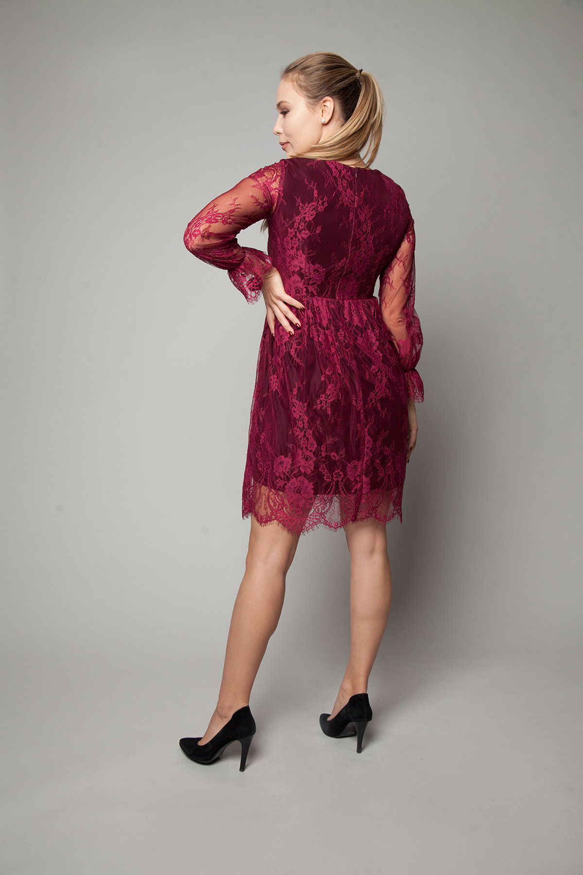 Платье из гипюра и кружева