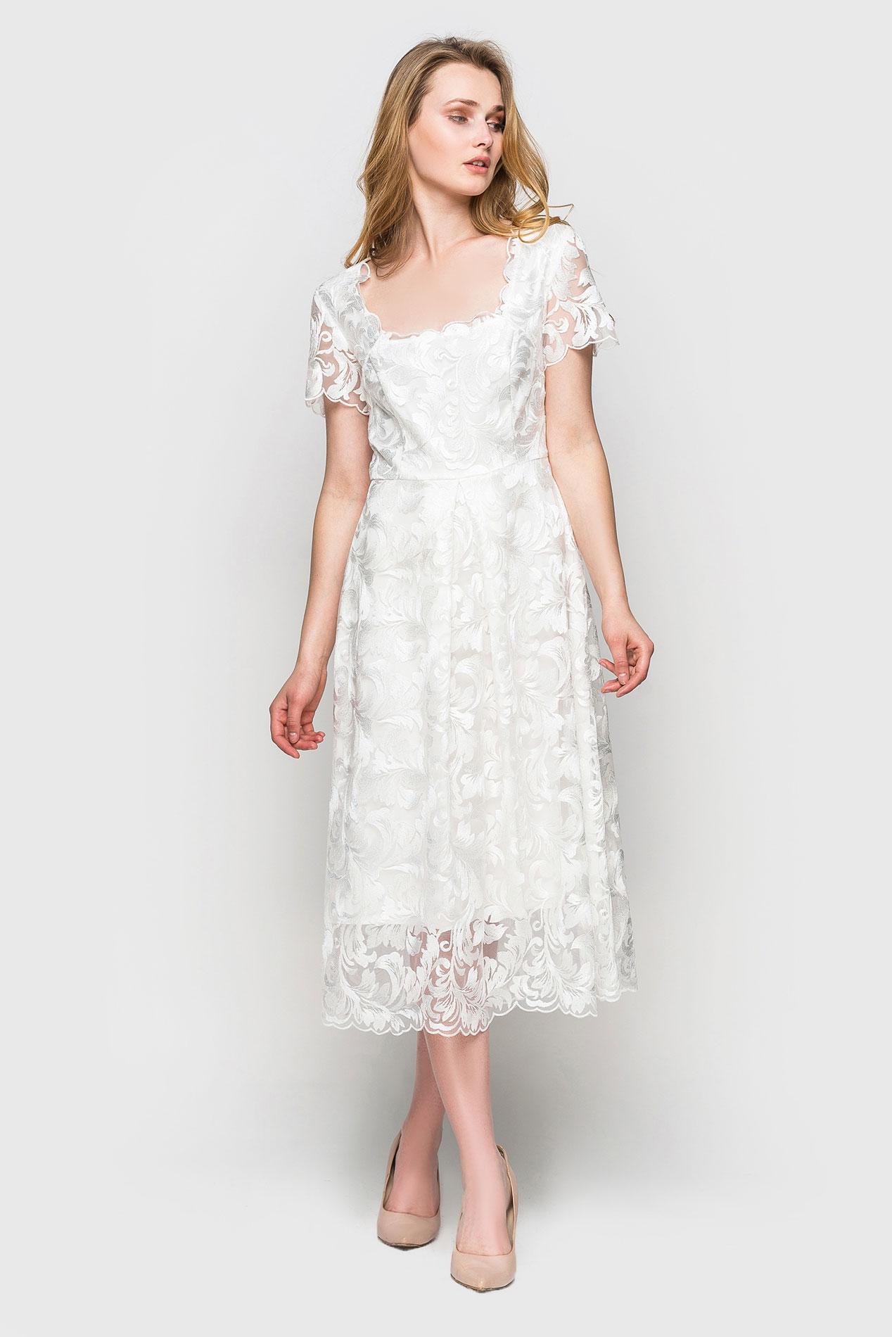 платье из гипюра цвет белый