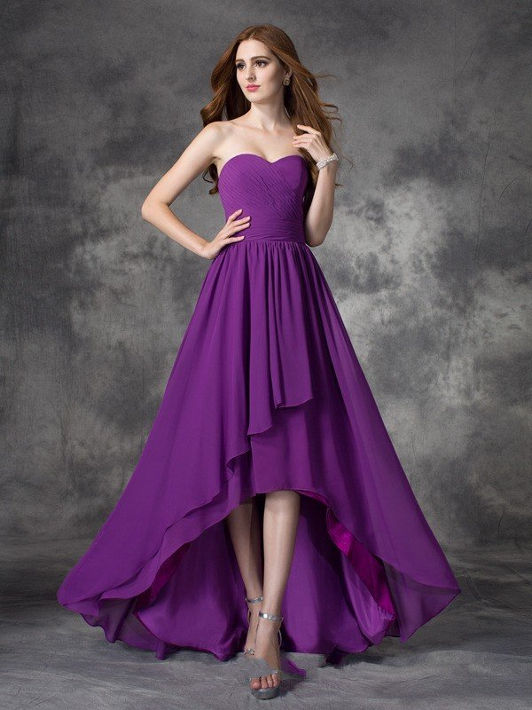 фиолетовое платье со шлейфом