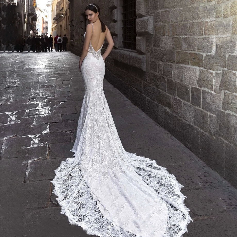 платье со шлейфом свадебное