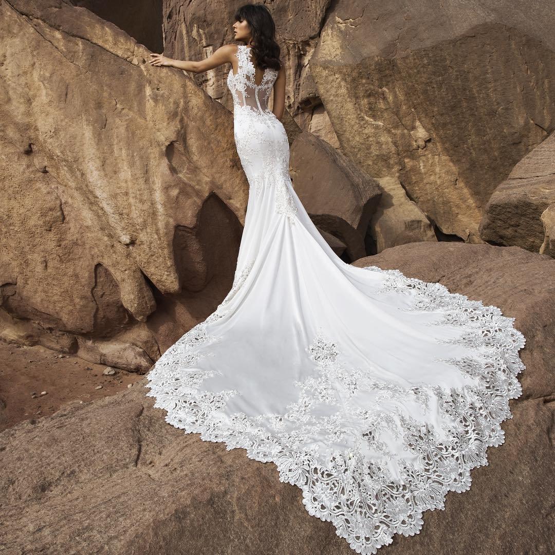 платье со шлейфом свадебное кружевное