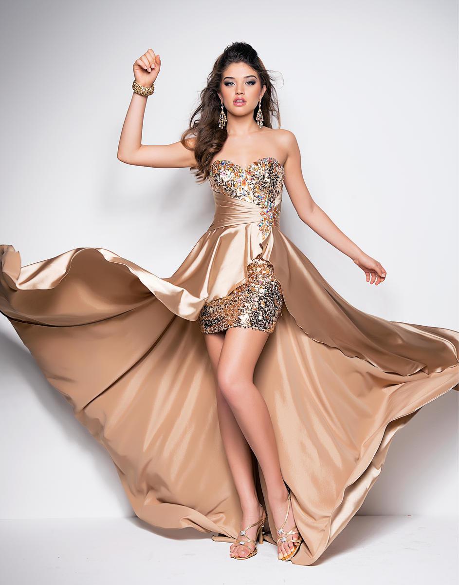 платье со шлейфом выпускное