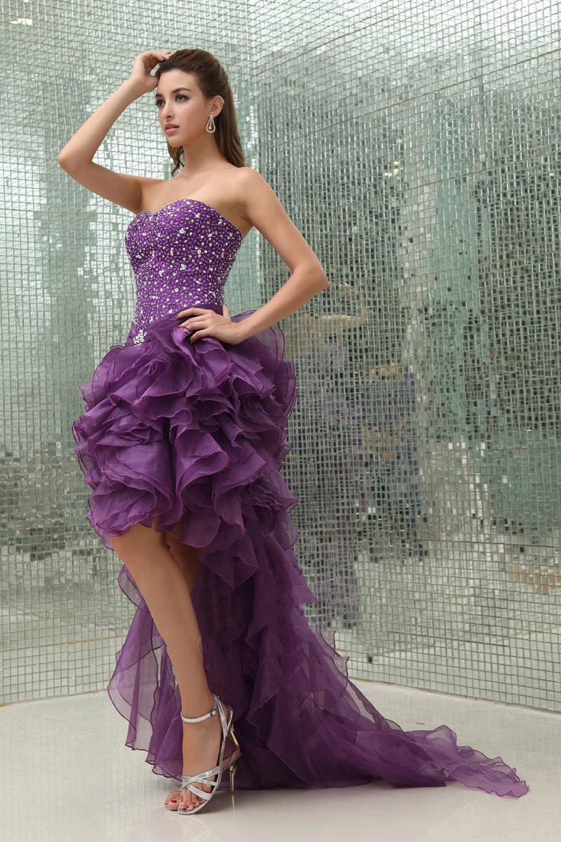 платье со шлейфом фиолетовое
