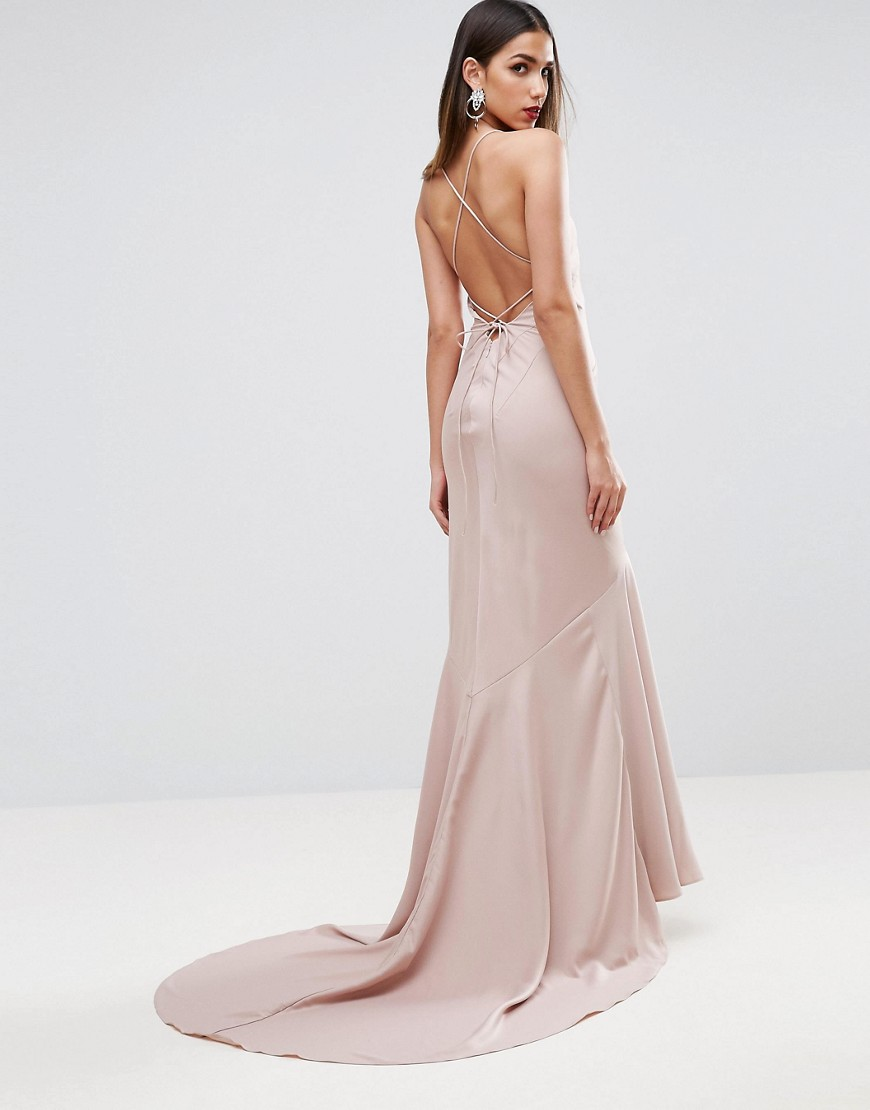 платье со шлейфом бежевое