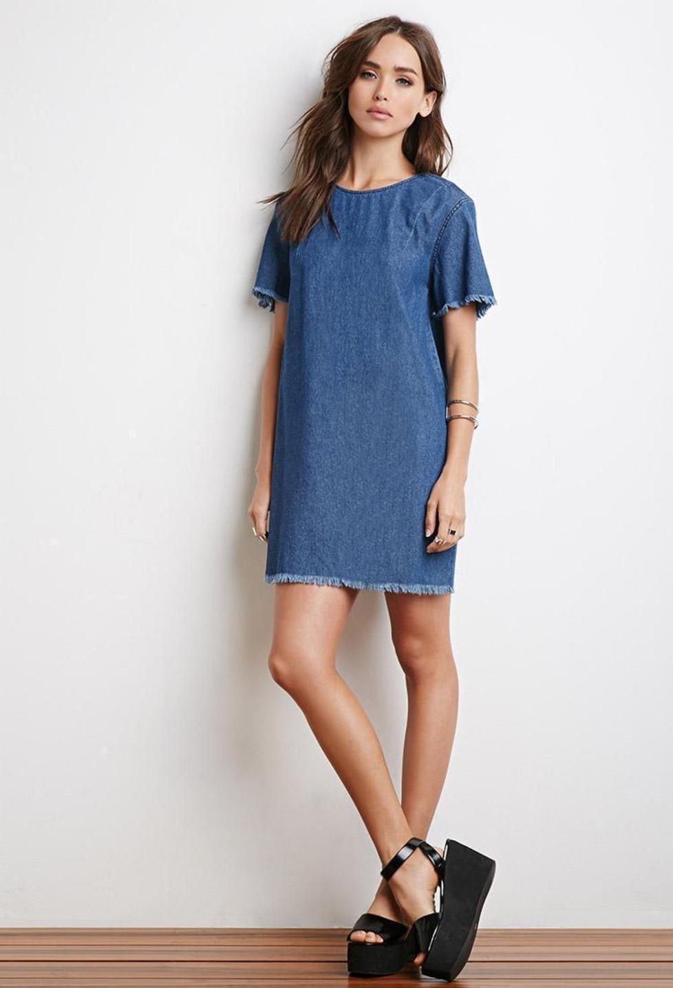 Платье прямого силуэта джинсовое