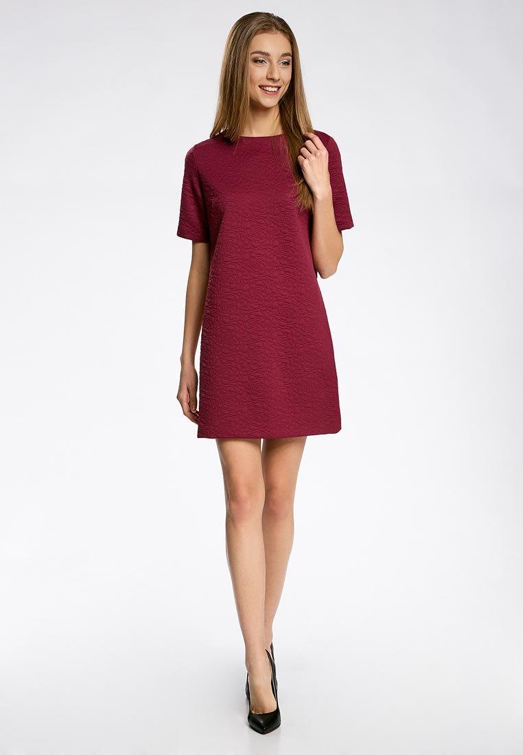 платье прямого силуэта бордовое фото