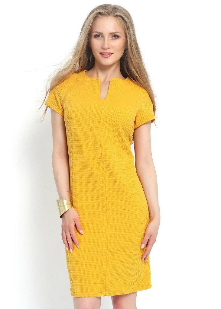 платье прямого силуэта желтое фото