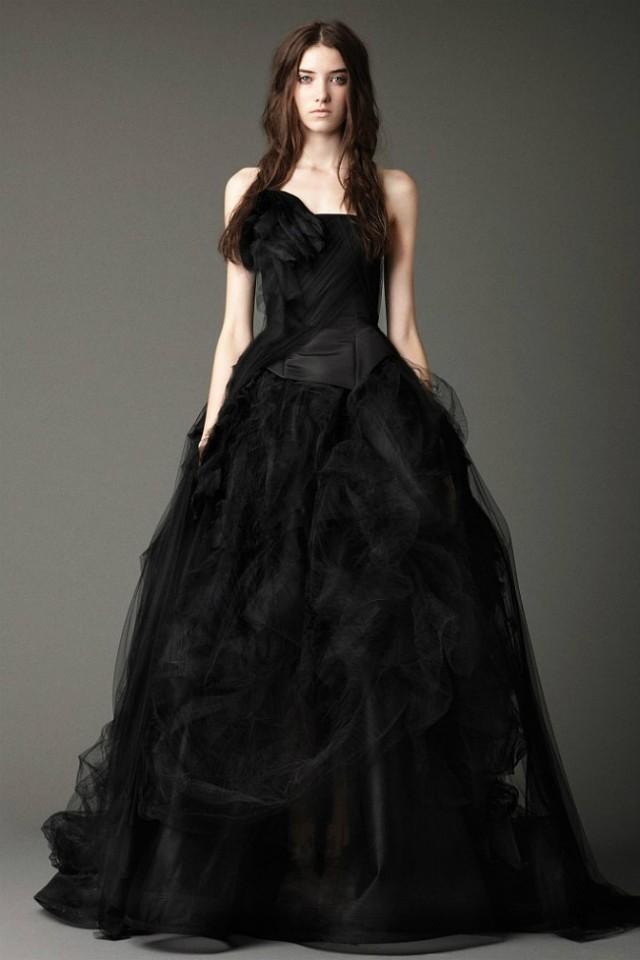 свадебное платье черное фото