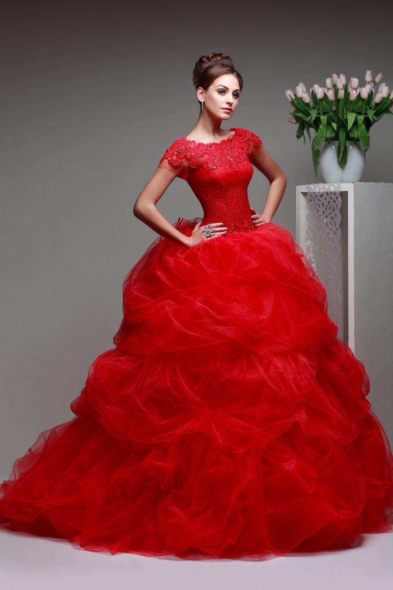 свадебное платье красное фото