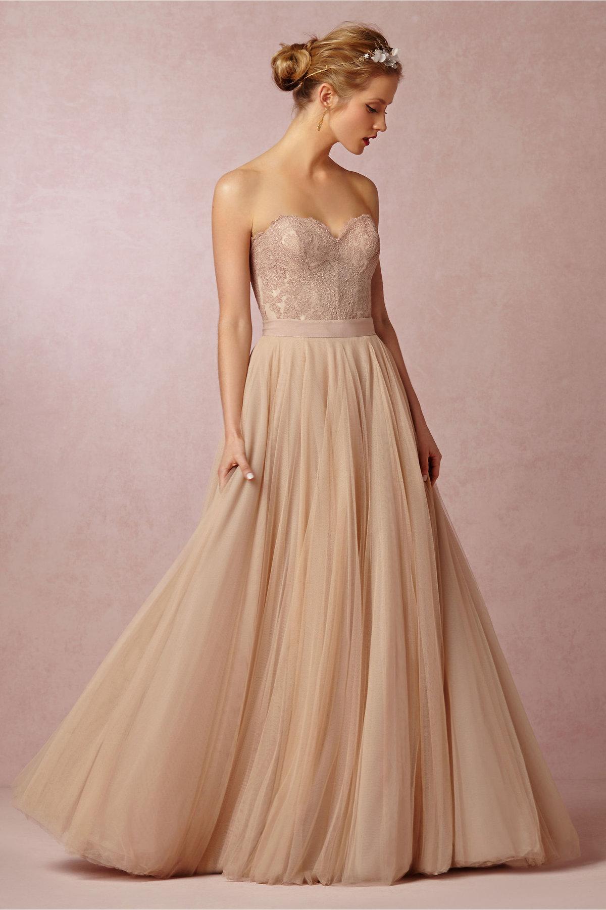 свадебное платье бежевое фото