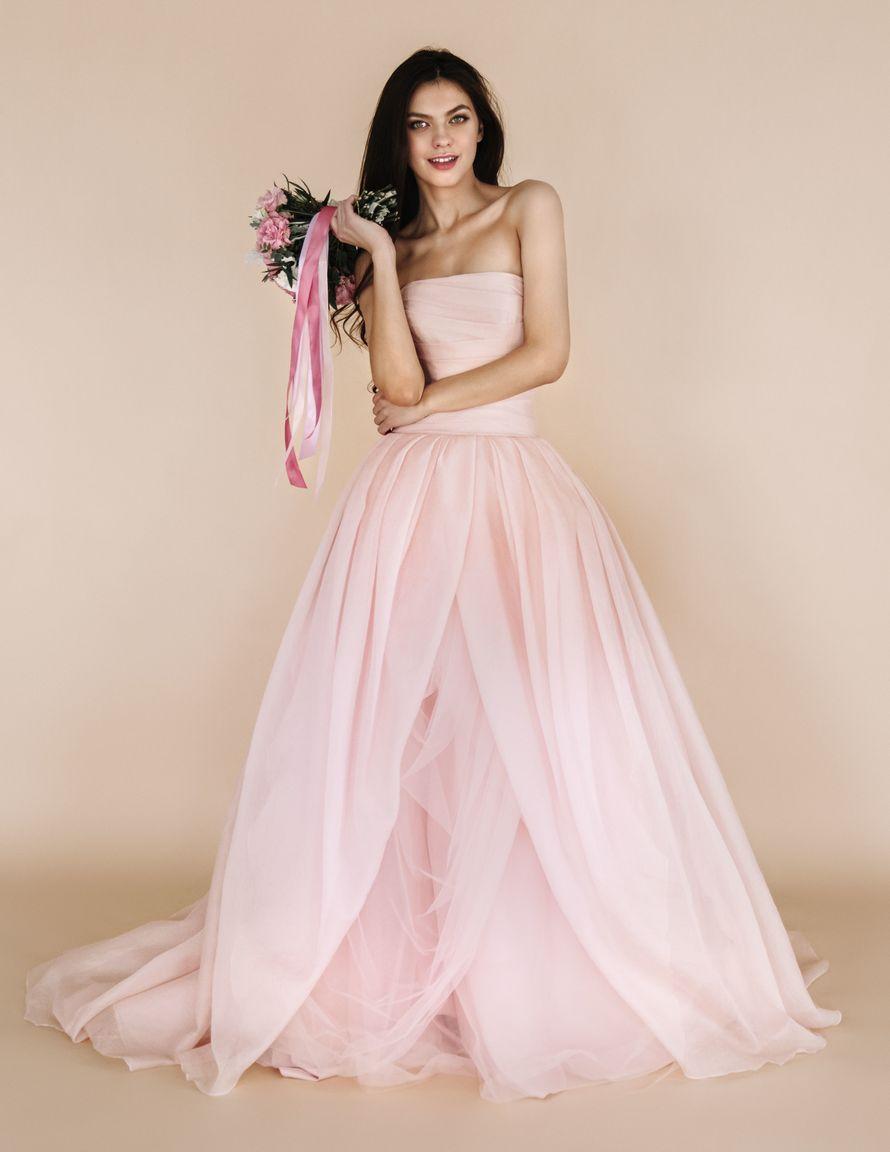свадебное платье розовое фото