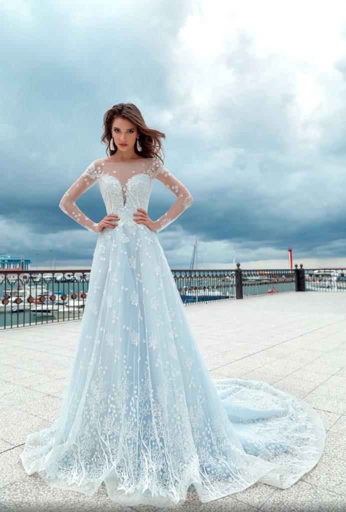 свадебное платье голубое фото