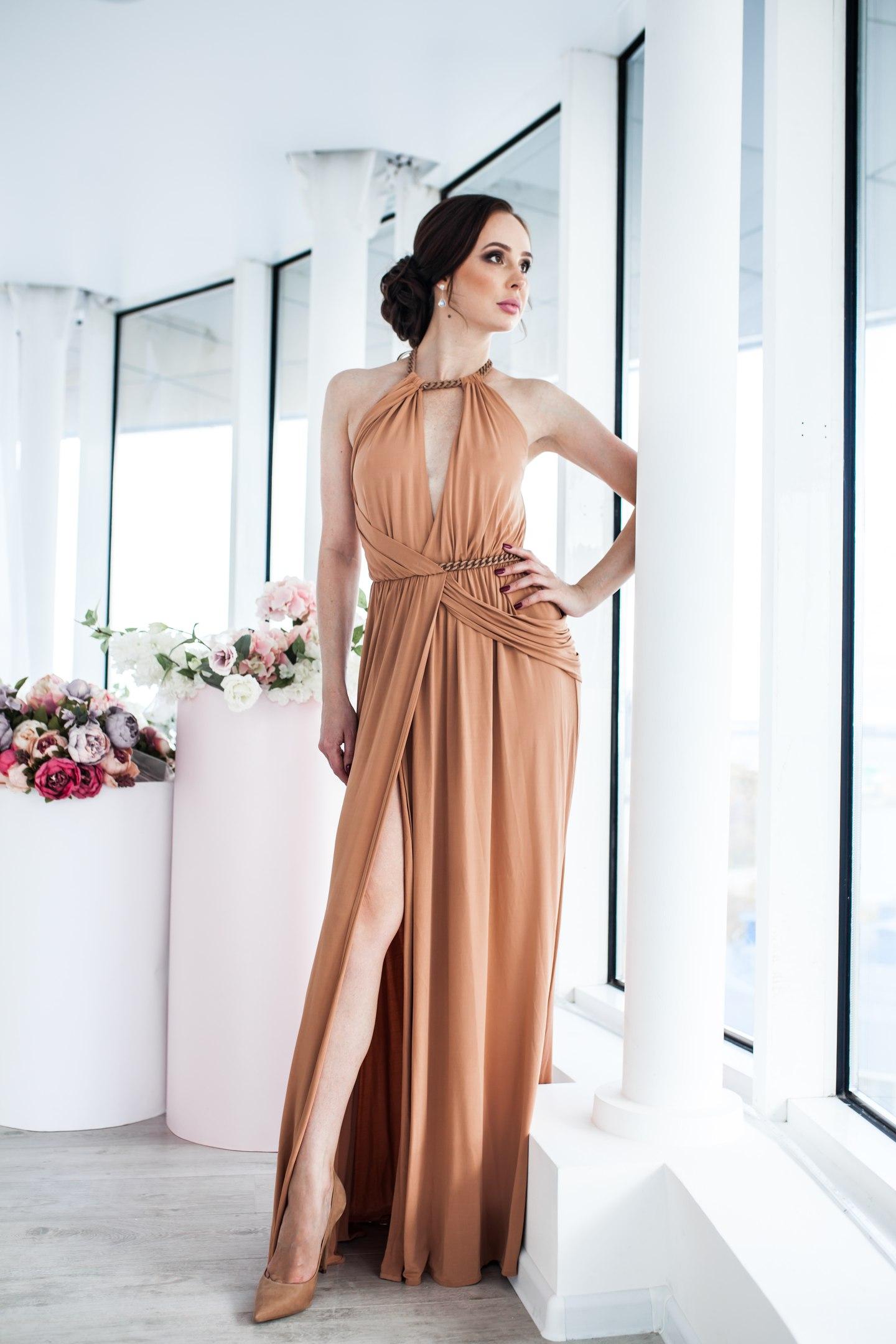 свадебное платье песочного цвета фото