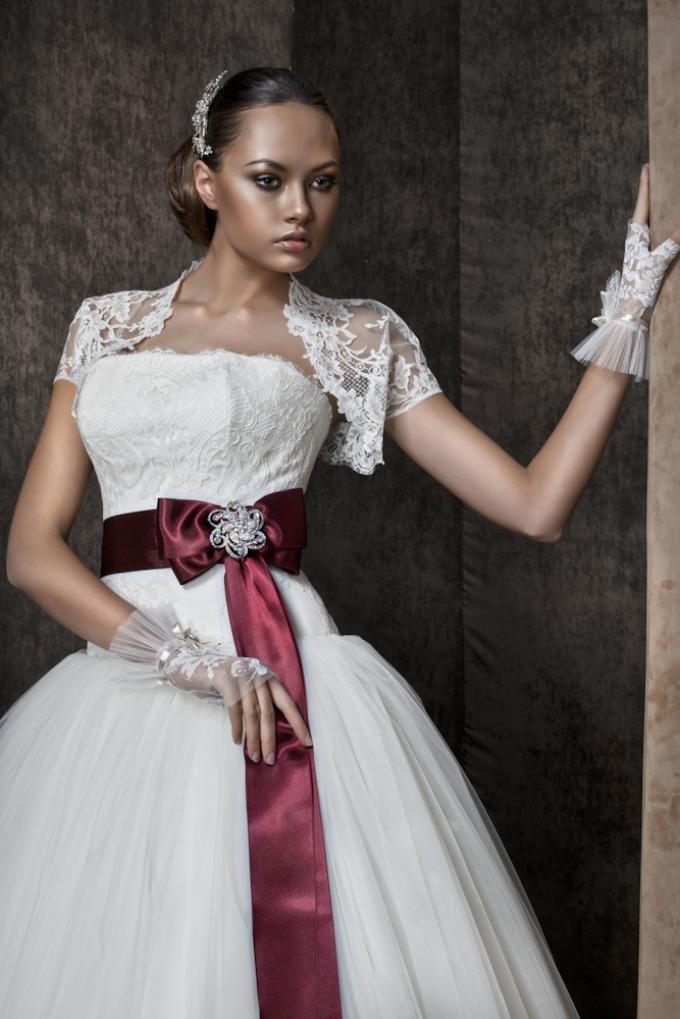 Свадебные платья ювелирные вставки фото