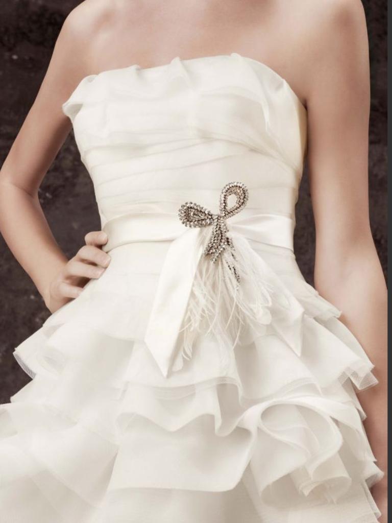 Свадебные платья с брошью фото