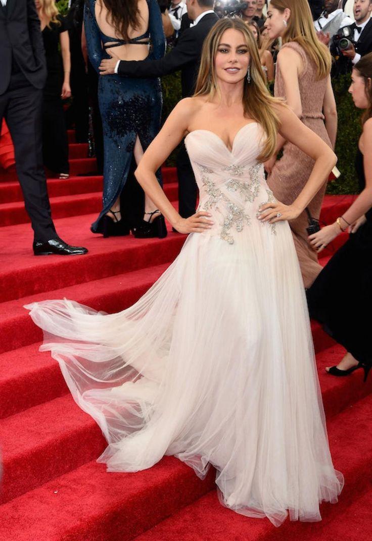 София Вергара в свадебном платье фото