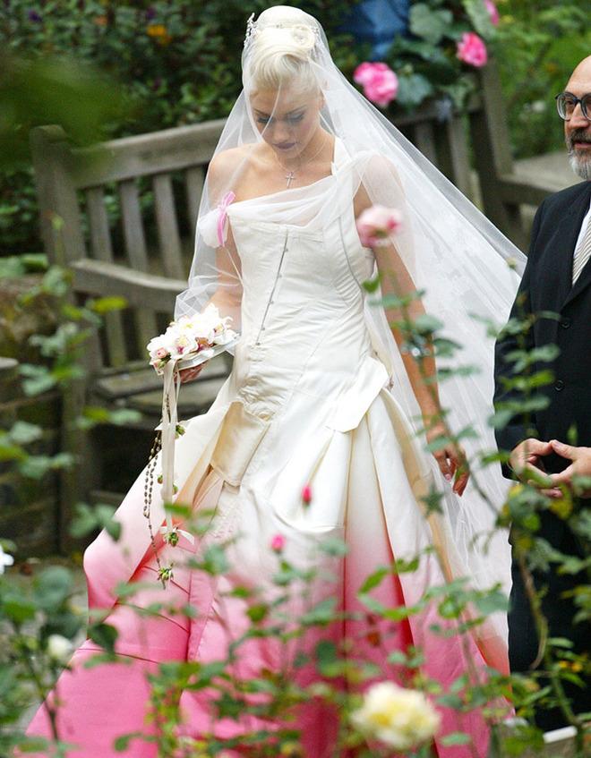 Гвен Стефани в свадебном платье фото
