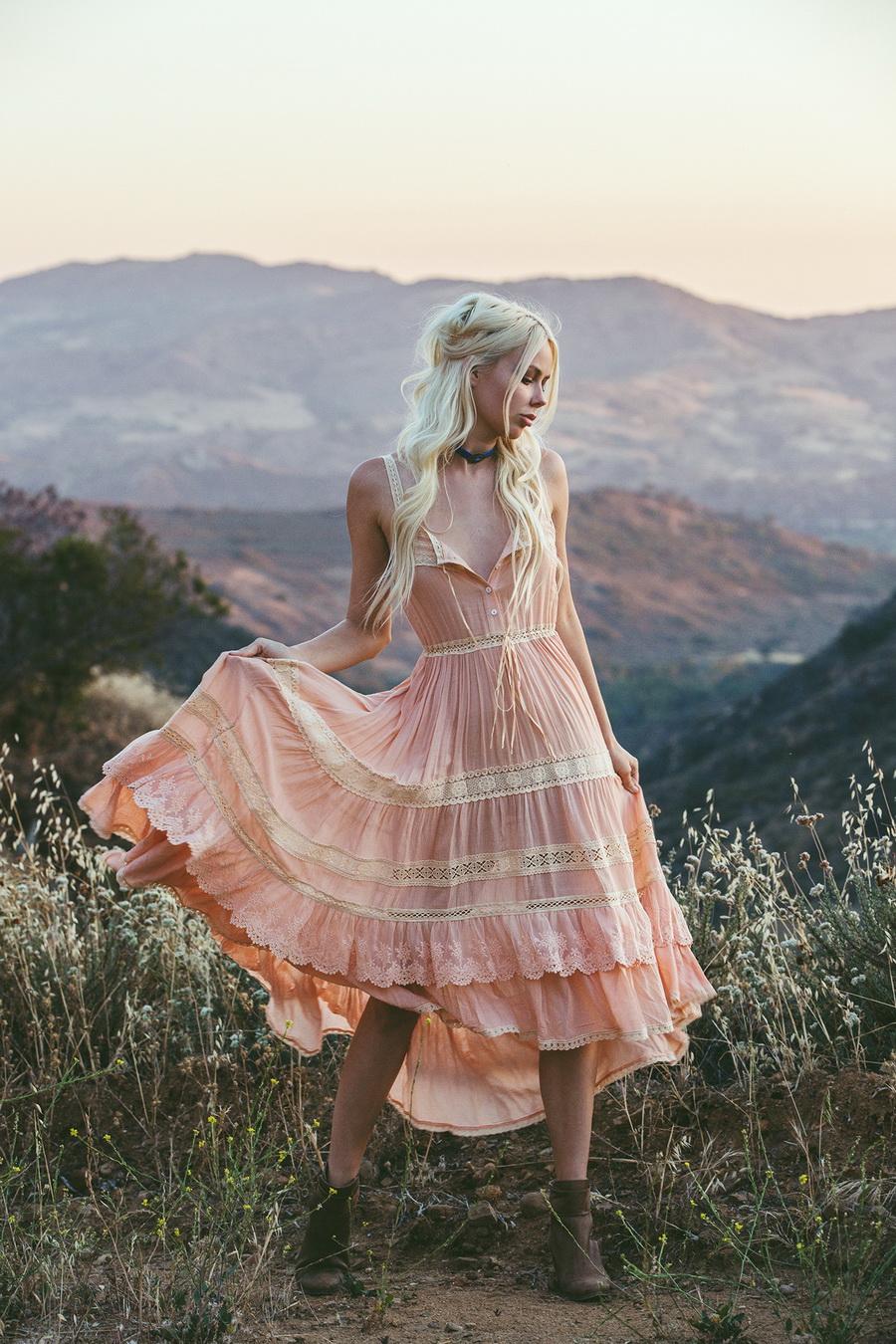 Платье бохо шик розовое фото
