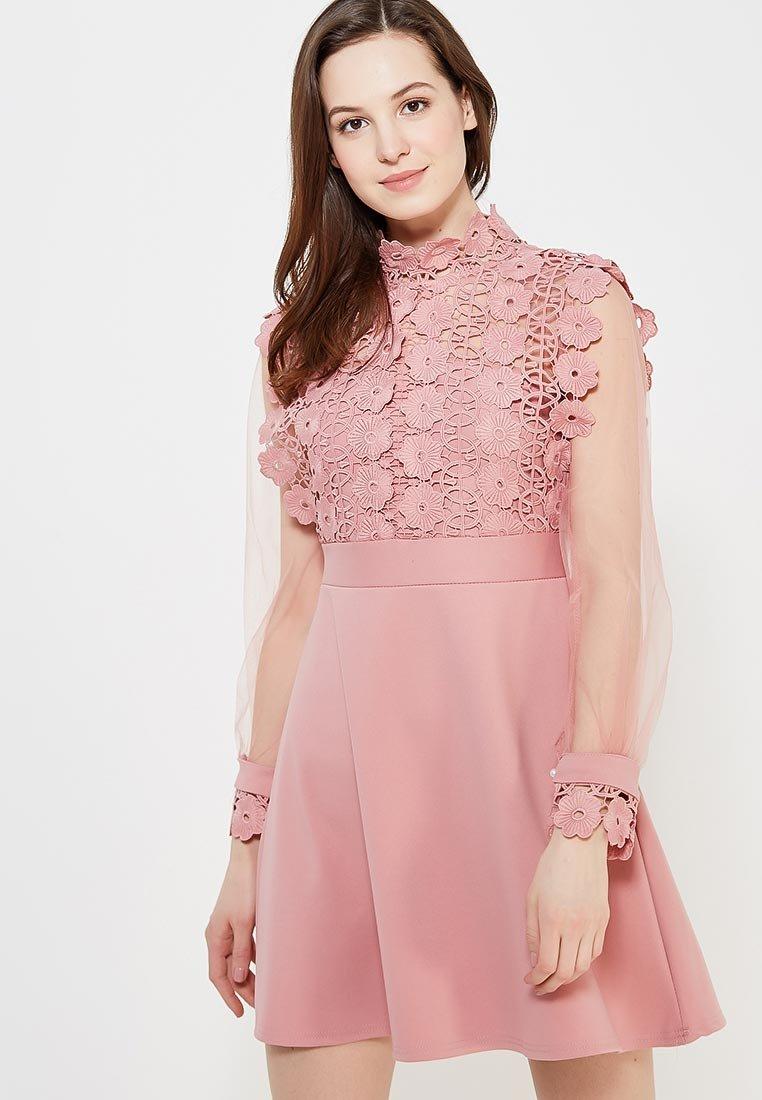 розовое платье с прозрачными рукавами