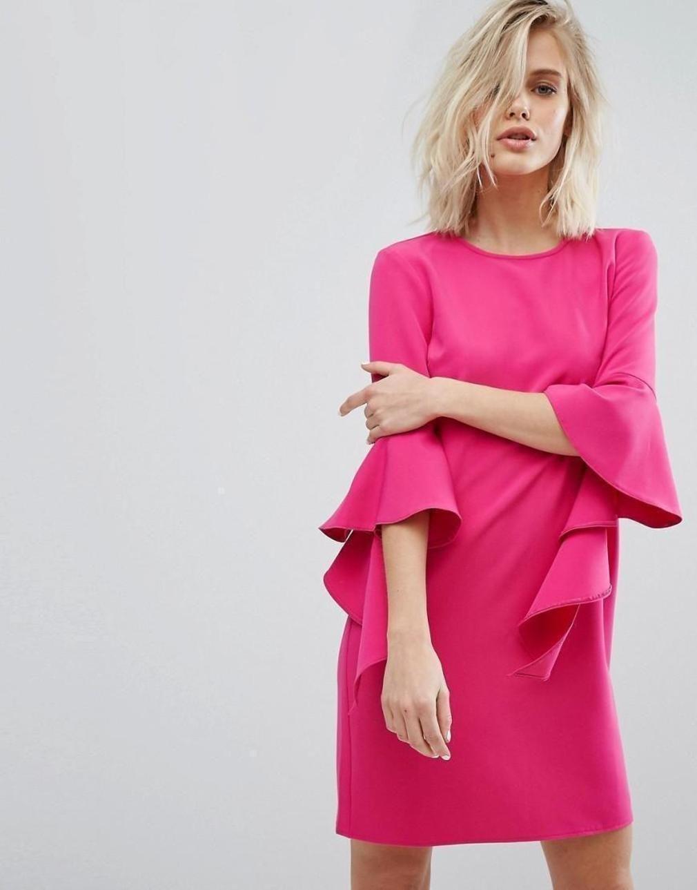 розовое платье с рукавами волан