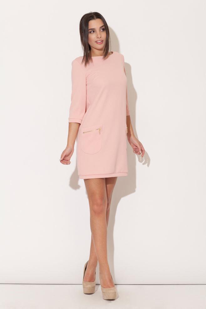 розовое платье прямого покроя