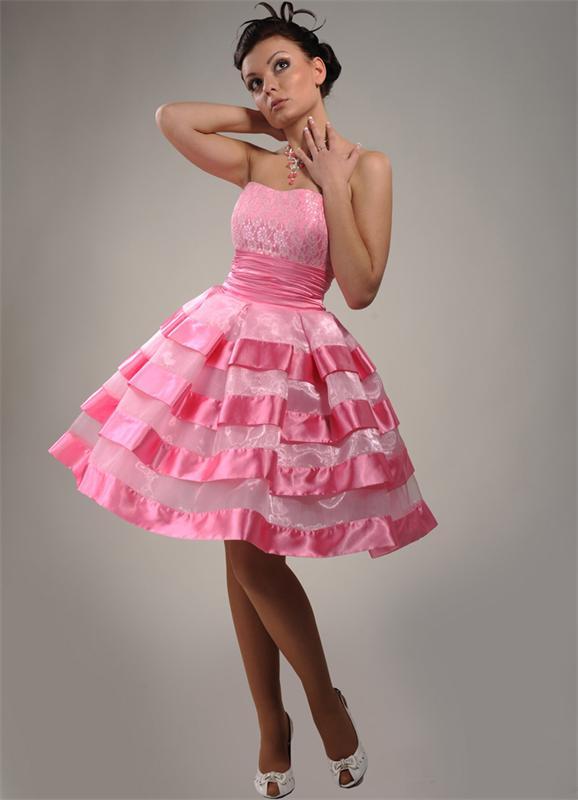 розовое платье в стиле стиляги