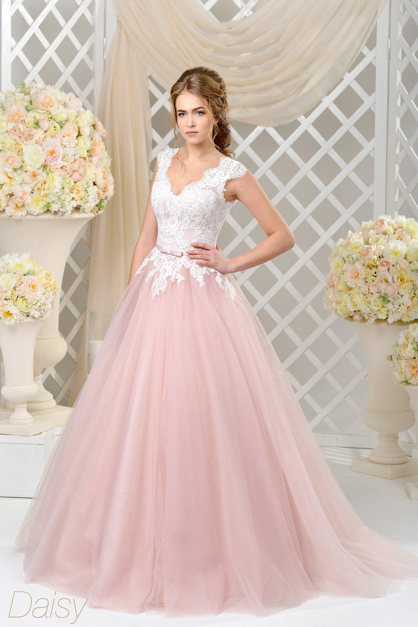 розовое платье с белыми цветами