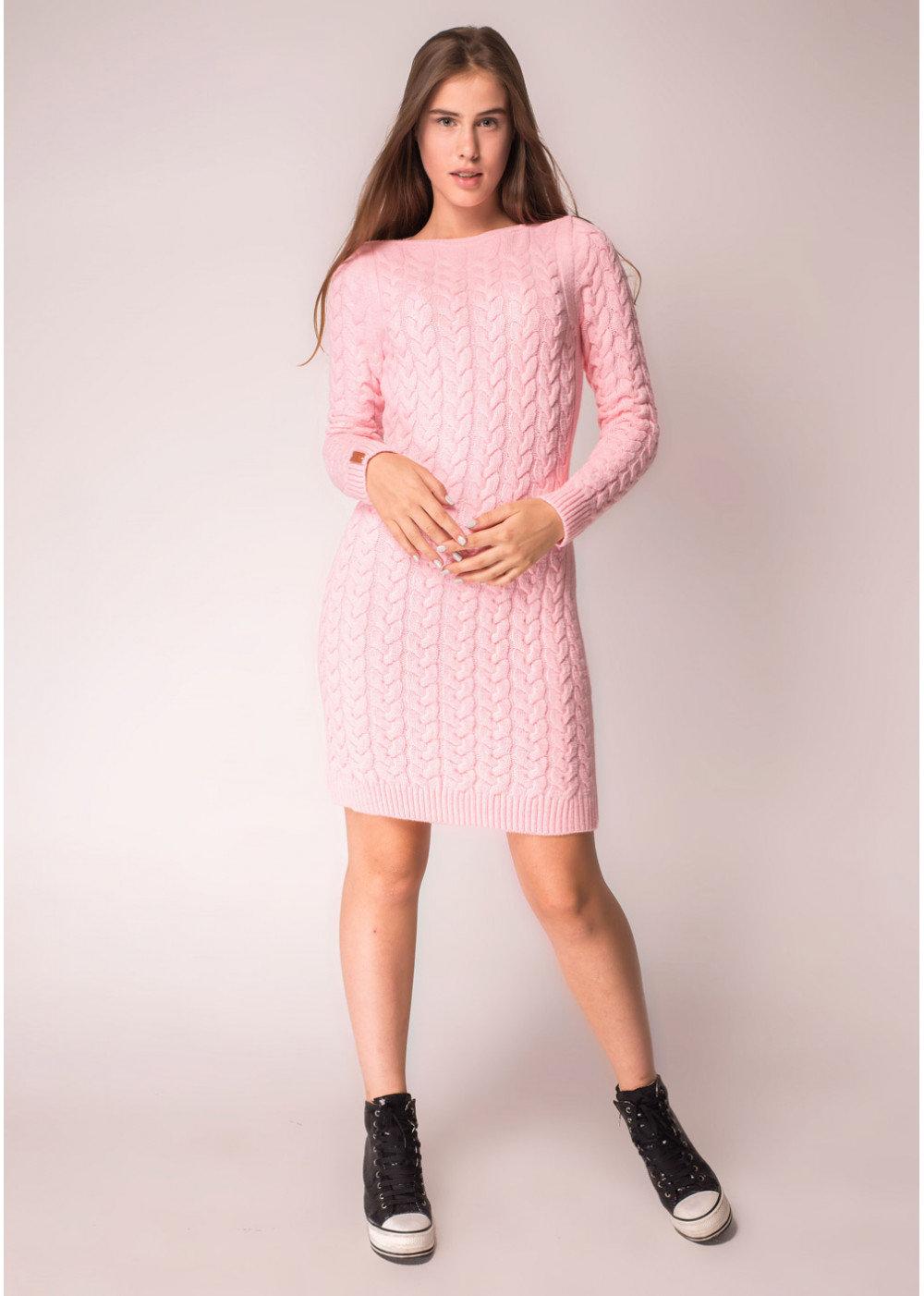 розовое платье вязаное