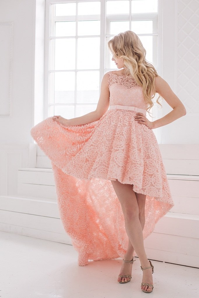 кружевное платье со шлейфом