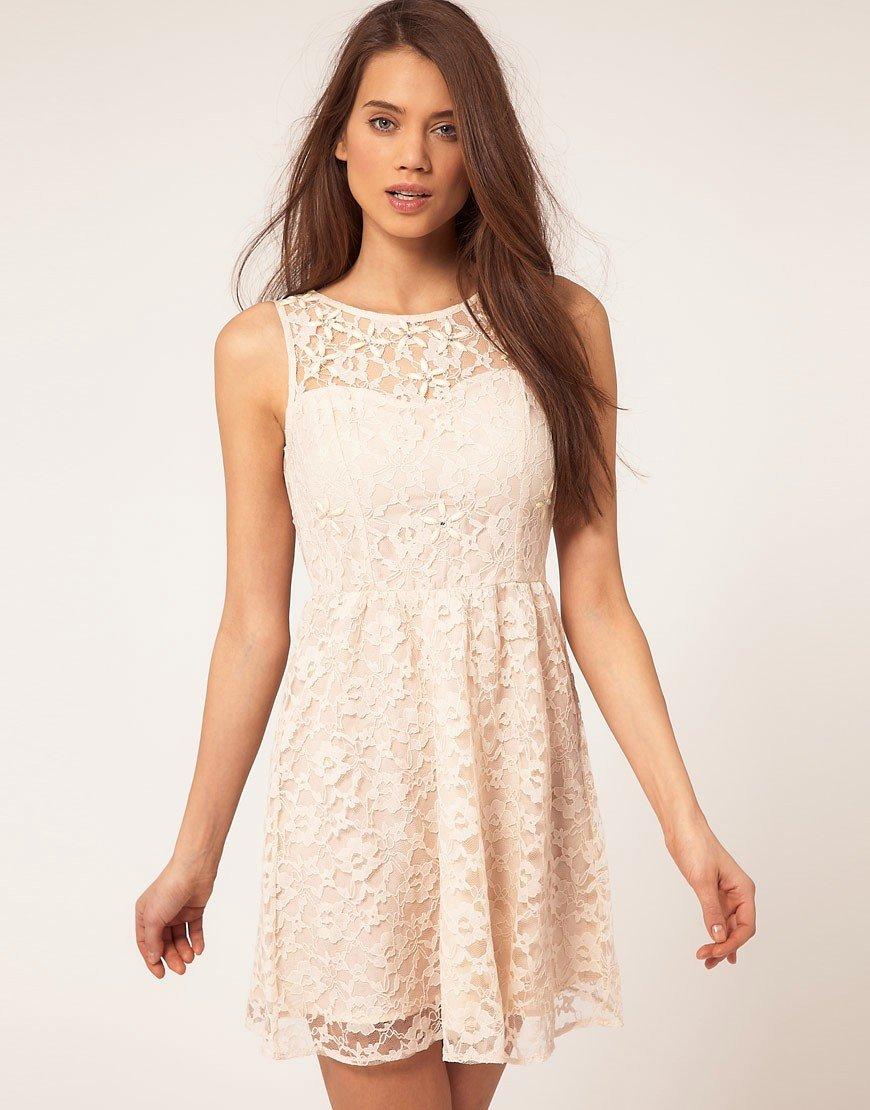кружевное платье кремовое