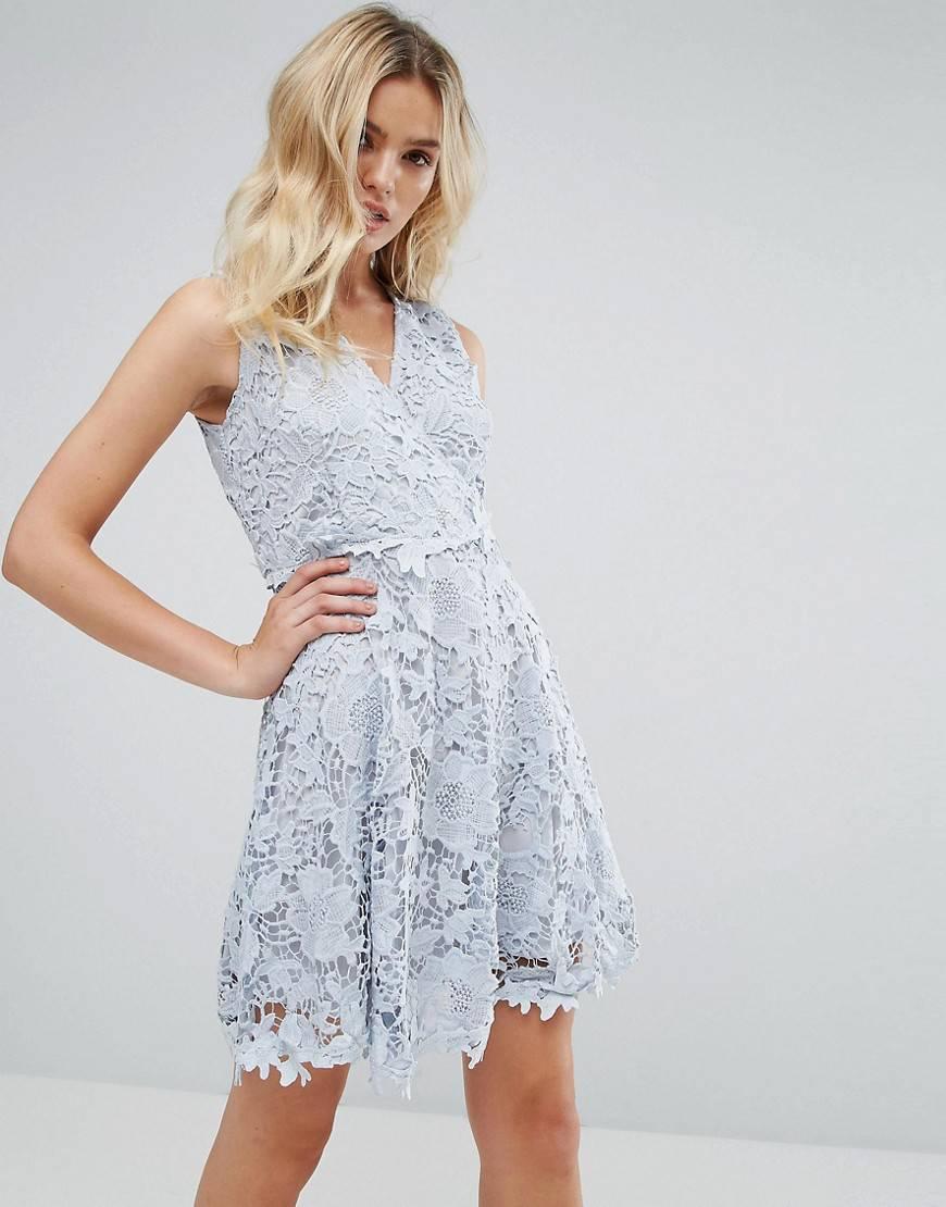 кружевное платье короткое
